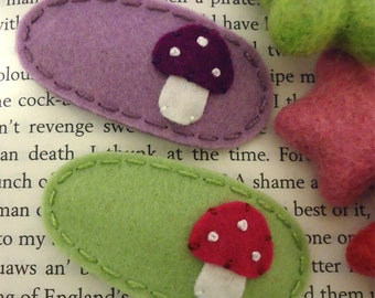 Felt hair clip -No slip -Wool felt -set of 2 toadstool -mini -spring / lilac