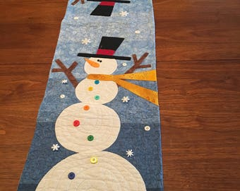 Snowman Table Runner embellished with buttons.