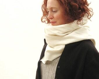 Silk scarf White shawl Felted scarf Women scarf Merino wool scarf Silk and wool scarf Silk shawl Women gift Sciarpa bianca Nuno felt scarf