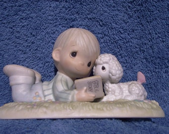 "Precious Moments Figurine  # PM 852 -  ""I Love To Tell The Story"" Retired - Special Edition Members Club Only"