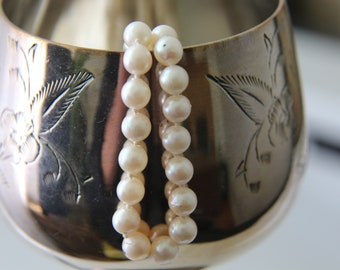 Pearl necklace Cultured pearl necklace 18K gold clasp Bridal jewelry Wedding jewelry June birthstone Genuine pearls Vintage necklace gift