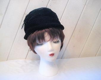 Black velvet pill box hat, feather hat, formal church hat, evening hat, mid century, Lynne Brooke hat, 23 inch