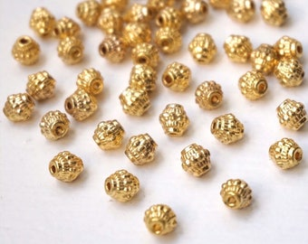 10 Indian gold patterned diamond beads. : 7 mm