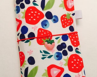 "Sunshine Dori in ""Berry Bliss"" - A Fabric Traveler's Notebook / Fabric Faux Dori"