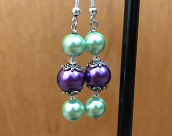 Green and Purple Beaded Drop Earrings, Green Purple Beaded Earrings, Green Purple Drop Earrings, Green Purple earrings, purple green earring