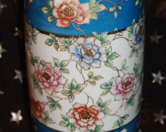 porcelain vase made in Japan wreath hallmark i. e. & co Japan hand painted tall vase over 1 ft gold painted raised gold blue and gold vase