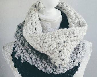 Crochet PATTERN, Crochet scarf pattern, Crochet cowl pattern, DIY women's scarf, Beginner pattern, chunky cowl pattern, - The Oscar Cowl