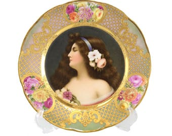 Royal Vienna Hand Painted Cabinet Plate of a Beauty, circa 1900. Signed Wagner
