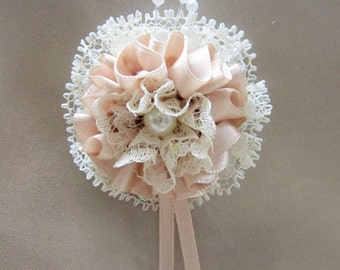 Boutonniere Blush, Ivory Lace, Pearl Center