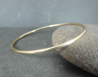 2mm Thick Solid 14K Gold Bangle Bracelet Classic Heirloom Jewelry Smooth or Hammered 14K Yellow Gold Bracelet Skinny Simple Everyday Jewelry