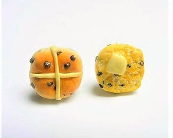 Food Jewelry Hot Cross Bun Earrings, Easter Jewelry, Miniature Food Earrings, Mini Food Jewelry, Food Jewellery, Bakers gift, Kawaii Jewelry