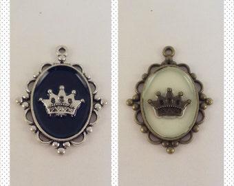 Crown Pendant (Silver or Bronze)
