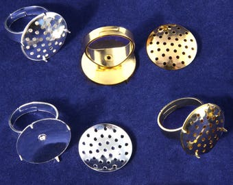 UK Seller. Cheap UK Postage. 5x Adjustable Finger Ring Bases with 20mm Clip-On Beading Sieves - 2 Colours (Sp or Gp)