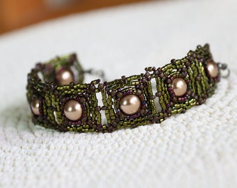 Pearl Series – Bead Woven Bracelet in Metallic Green