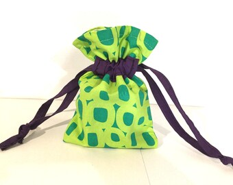 Small Drawstring pouch/bag in green and purple, gift bag, jewellery bag, cosmetics bag, small items bag, fabric bag, satin lining