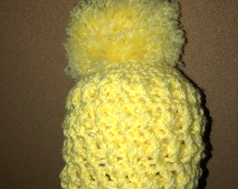 Crochet hat with pouf