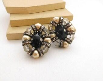 Vintage Signed Hobe Black Molded Glass Pearl Rhinestone Clip On Earrings L42