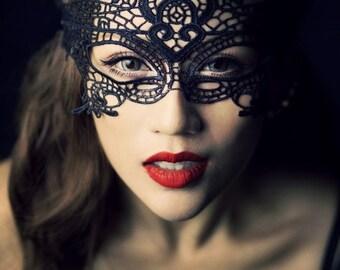 Original black/white/burgundy lace mask - vintage victorian halloween face wear - queen art deco gothic vamp partymask
