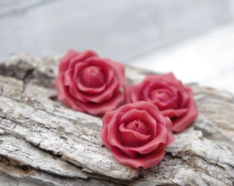 Flowers: 3 raspberry Roses molded of cold porcelain