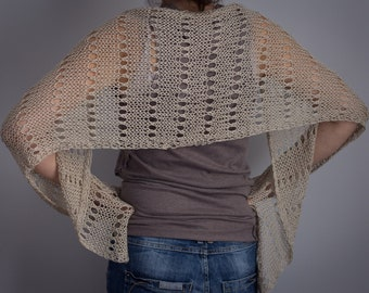 Handkerchief/scarf of hand-woven yarn to two needles with an original draught.