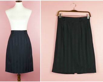 Vintage Black High Waisted Shiny Striped Pencil Skirt w/ Slit - Size 6/8