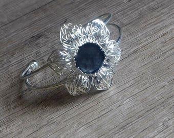 Black silver cuff bracelet - Flower bracelet - Black cabochon bracelet - Black flower bracelet - Black silver bracelet - Silver bracelet