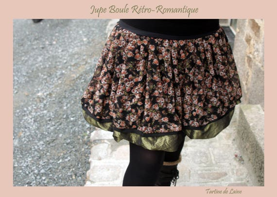Creating flowers Retro-Vintage ball skirt. Black-Green-coral. Original balloon skirt