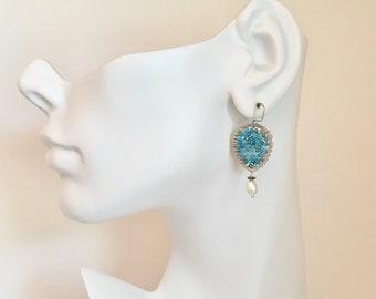 Apatite gemstone and freshwater pearl silver hoop earrings