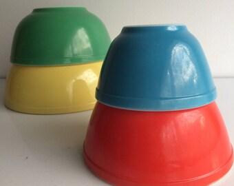 Vintage Pyrex Primary Mixing Bowl Set 401 402 403 404 Complete Set of 4 Bowls Old Bottoms