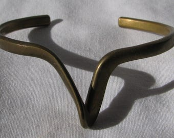 """Edgy and Sleek """"V"""" Drop Abstract Brass Cuff Bracelet, Retro 1970's"""