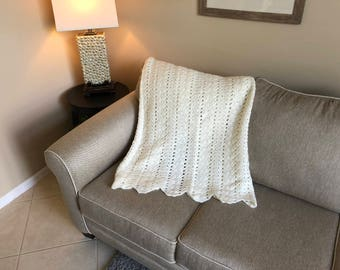Soft White Shell Ripple Pattern Afghan