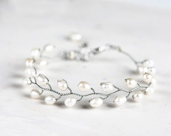693 Silver pearl bracelet, Natural white pearl bracelet, Bridal freshwater pearls bracelet, Ivory pearls silver bracelet, Wedding jewelry