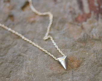 Plain triangle pyramid necklace