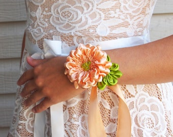 Dahlia wrist corsage 12 colors / Silk flower corsage / Prom corsage / Bridal corsage/ white / ivory / lilac / blue/ green/ yellow/ pink/ red