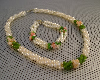 Vintage 1980s Twisted Small Pearls Jade Gold Beads Necklace and Bracelet Set