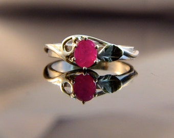 Love Grows - Ruby gemstone ring