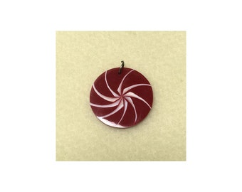 Red Resin and White Shell Swirl Round Pendant 35mm