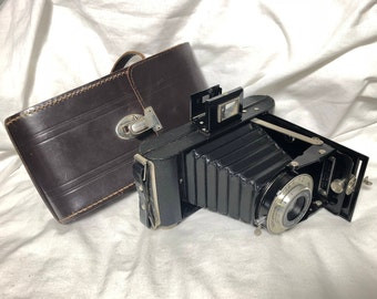 Kodak London SIX-20 Folding BROWNIE, 100/6.3 ANASTON camera