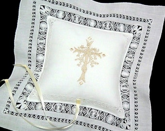 Cross Ring Pillow, Ring Bearer Pillow, Wedding Ring Pillow, Irish Linen Ring Pillow, Monogram Ring Pillow, Style 3651