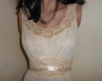 Beige 60's Nylon/Lace Sleeveless Nightie/Negligee=Scoop Neck, Fitted Waist Nightgown - Size M