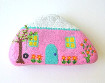 Hand Painted Beach Stone, Rock, Little Pink House Cottage, Beach Decor, Ocean Decor, Gift
