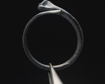 What Remains - Rib Ring 2 in oxidized sterling silver