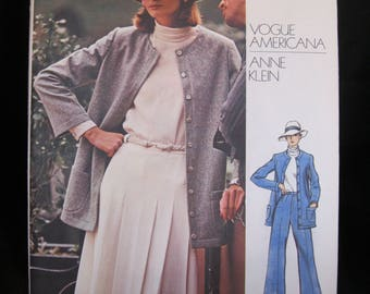 Size 10, Vogue 2992, Anne Klein, Vogue Americana loose buttoned jacket, high neck blouse, A line skirt and straight leg pants, circa 1970's
