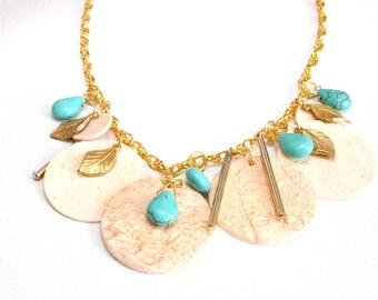 Statement Halskette, Boho Kette, Fimo Kette, Goldene Halskette, Sommerschmuck, Pfirsich, gold, türkis, Geschenk für sie, made in Scotland