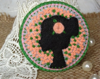 Mothers day brooch Felt brooch Fiber art jewelry gifts French knot Women face Embroidery art jewelry Patchwork brooch Textile art brooch