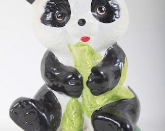 Panda, Keramik, Sparschwein, Spardose, Statuette, Figur, Skulptur, Haus, Interieur, Dekor, Sammlung, Vintage, Nostalgie ~ 170319