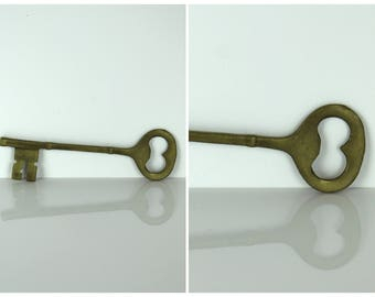 Vintage 1980's Copper Key Ornament / Free Uk Delivery