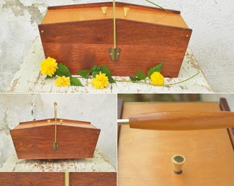 Vintage Sewing Box, Knitting Box, Mid Century Modern Wood Sewing Basket with Handle, Jewelry Box Organizer, Wooden Sewing Box from 70's