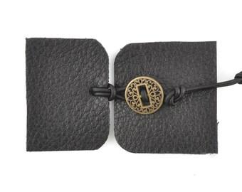 Designs-Leather Kit-Bracelet-Black/Antique Gold Button