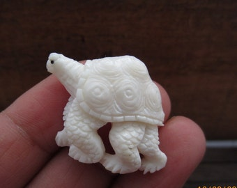 Hand Carved Adorable Little Turtle,  Natural Component, Jewelry making Supplies S3401